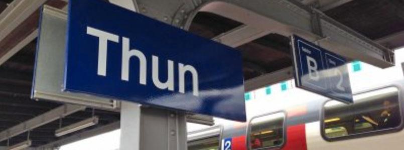 Bahnhofsschild Thun