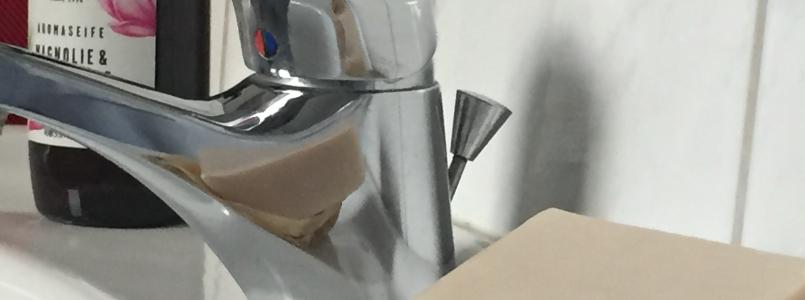 Wasserhahn mit Seife